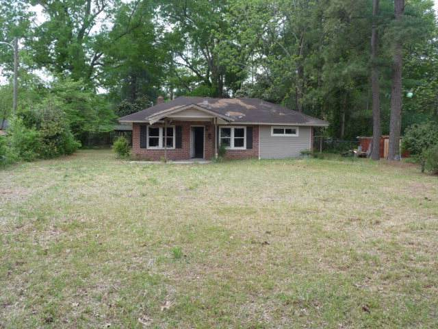 424 W Scotland Street, Maxton, NC 28364 (MLS #100179037) :: Castro Real Estate Team