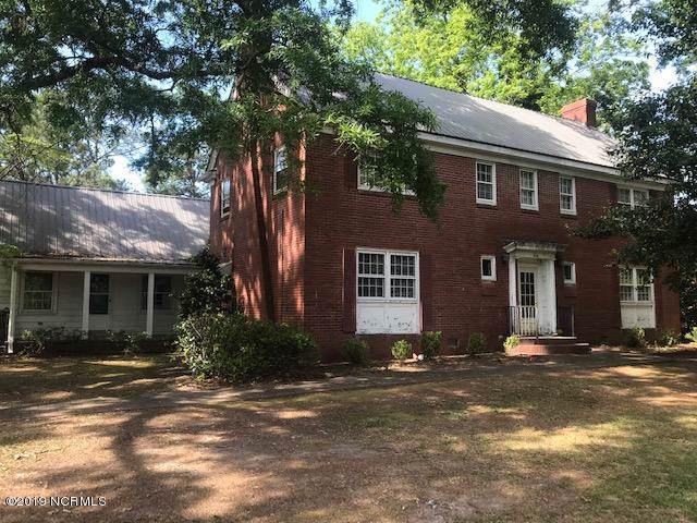 400 Old Post Road, Erwin, NC 28339 (MLS #100181156) :: Berkshire Hathaway HomeServices Prime Properties