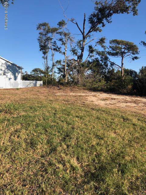 302 Deer Trail, Emerald Isle, NC 28594 (MLS #100192929) :: CENTURY 21 Sweyer & Associates