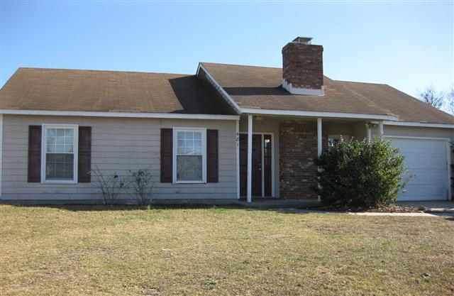 481 Hunting Green Drive, Jacksonville, NC 28546 (MLS #100193737) :: Berkshire Hathaway HomeServices Hometown, REALTORS®
