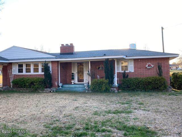 204 Park Drive, Roseboro, NC 28382 (MLS #100205524) :: Courtney Carter Homes