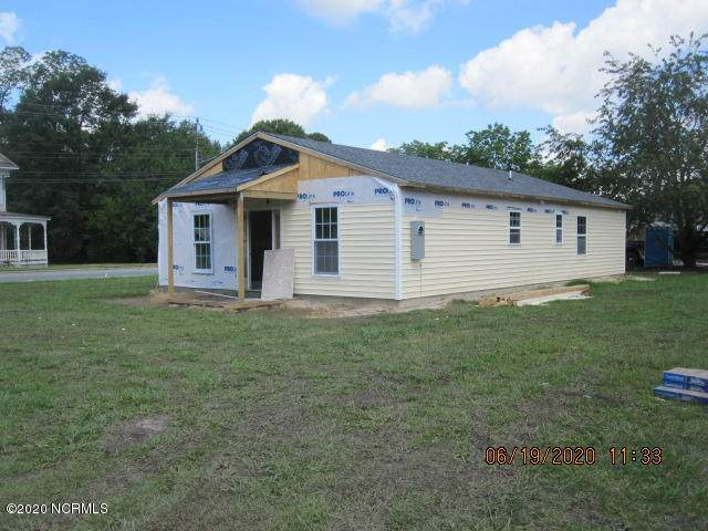 105 E North Street, Warsaw, NC 28398 (MLS #100223345) :: Courtney Carter Homes