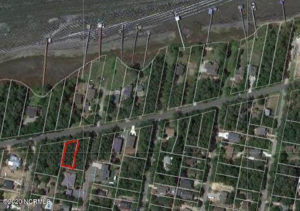 2403 W Yacht Drive, Oak Island, NC 28465 (MLS #100234216) :: Coldwell Banker Sea Coast Advantage