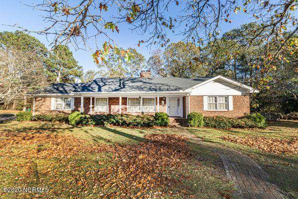 805 Weeks Drive, Tarboro, NC 27886 (MLS #100246065) :: Frost Real Estate Team