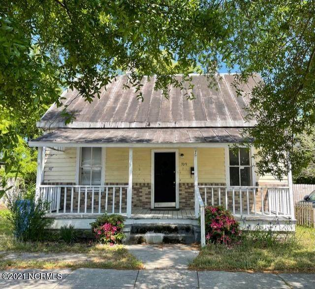 709 Bladen Street, Wilmington, NC 28401 (MLS #100266791) :: David Cummings Real Estate Team