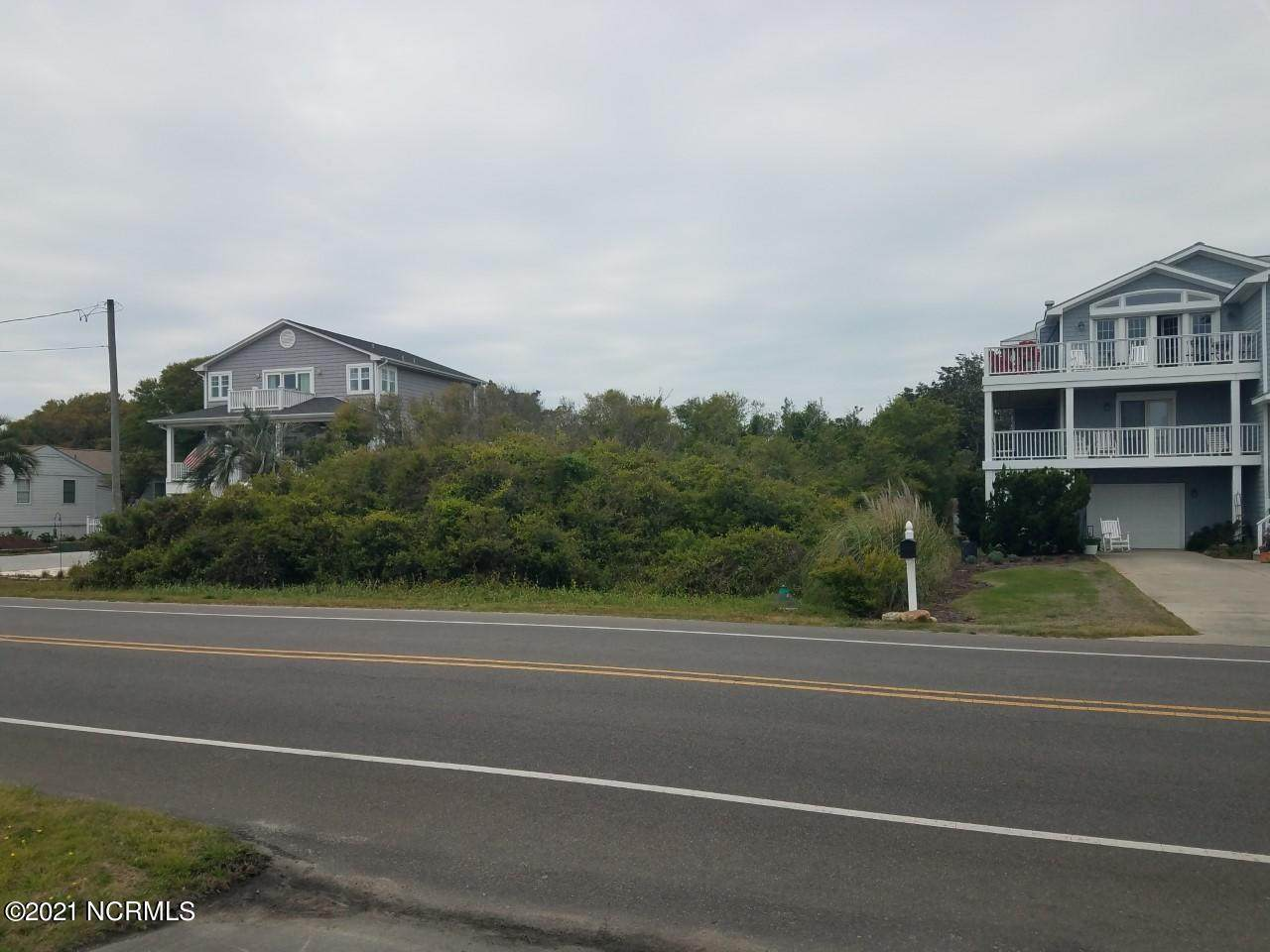 942 Fort Fisher Boulevard - Photo 1