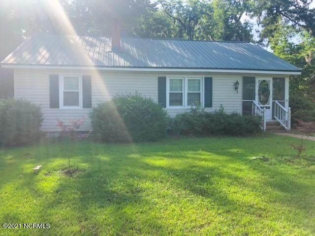 401 Cameron Street, Lake Waccamaw, NC 28450 (MLS #100277344) :: Barefoot-Chandler & Associates LLC