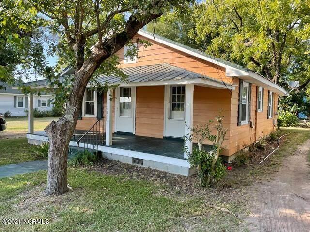 207 E Swanzy Street, Elizabethtown, NC 28337 (MLS #100289695) :: Barefoot-Chandler & Associates LLC