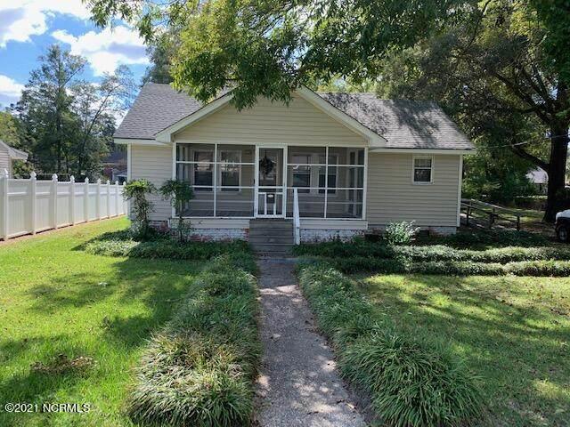 220 E Smith Street, Whiteville, NC 28472 (MLS #100294987) :: CENTURY 21 Sweyer & Associates