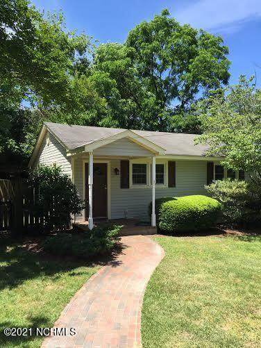 160 W Rhode Island Avenue, Southern Pines, NC 28387 (#100296897) :: The Tammy Register Team