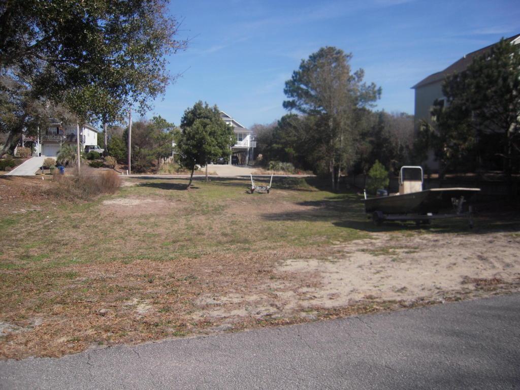 207 Shorewood Drive W, Emerald Isle, NC 28594 (MLS #11400688) :: Century 21 Sweyer & Associates
