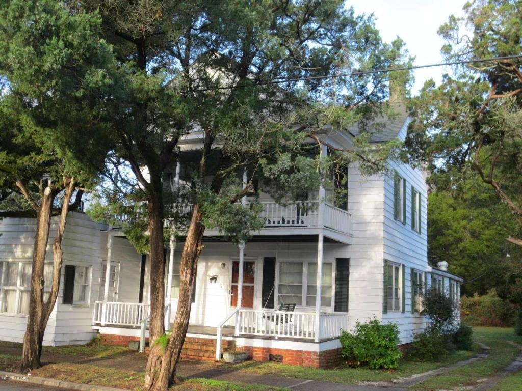 205 Live Oak Street, Beaufort, NC 28516 (MLS #11505145) :: Century 21 Sweyer & Associates