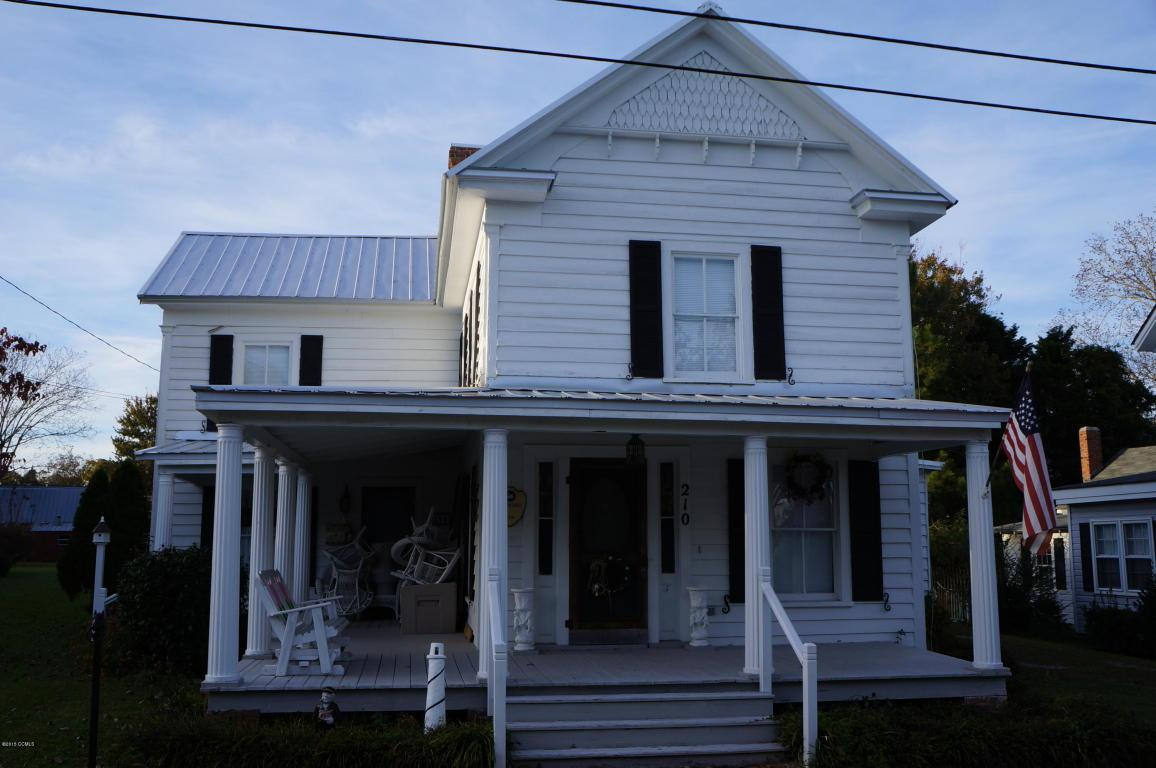 210 S Walnut Street, Swansboro, NC 28584 (MLS #11505479) :: Century 21 Sweyer & Associates