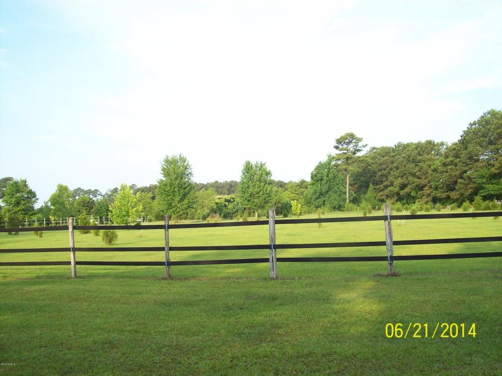 21 Plantation Drive, Swansboro, NC 28584 (MLS #11505778) :: Century 21 Sweyer & Associates