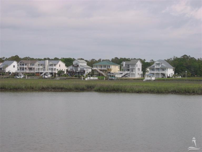 2704 W Pelican, Oak Island, NC 28465 (MLS #20673278) :: Century 21 Sweyer & Associates