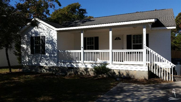 143 NE 9th Street, Oak Island, NC 28465 (MLS #20687895) :: Century 21 Sweyer & Associates