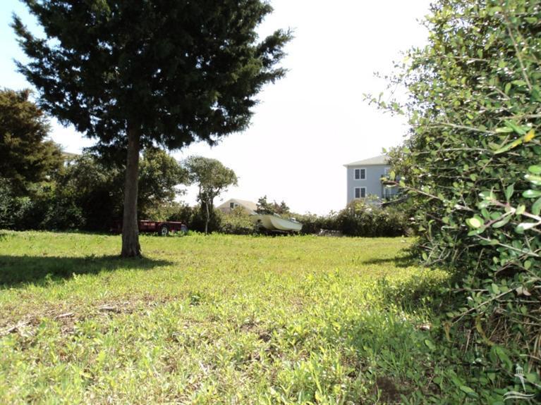 5207 E Pelican Drive, Oak Island, NC 28465 (MLS #20691356) :: Century 21 Sweyer & Associates