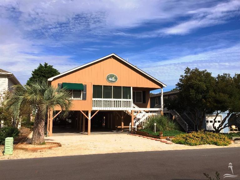 413 32nd Street, Sunset Beach, NC 28468 (MLS #20696863) :: Century 21 Sweyer & Associates