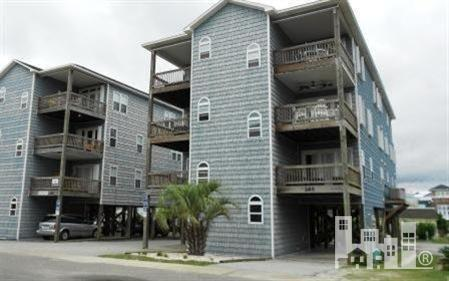 208 Carolina Beach Avenue S #3, Carolina Beach, NC 28428 (MLS #30511461) :: Century 21 Sweyer & Associates