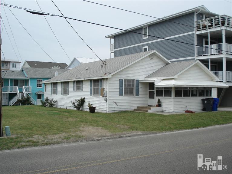 1301 Carolina Beach Avenue N, Carolina Beach, NC 28428 (MLS #30521110) :: Century 21 Sweyer & Associates