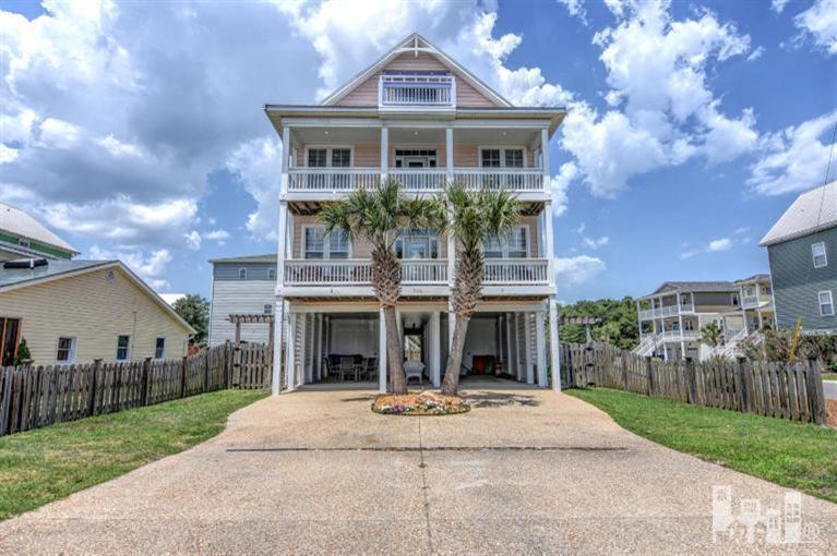 700 Ocean Boulevard #1, Carolina Beach, NC 28428 (MLS #30523941) :: Century 21 Sweyer & Associates