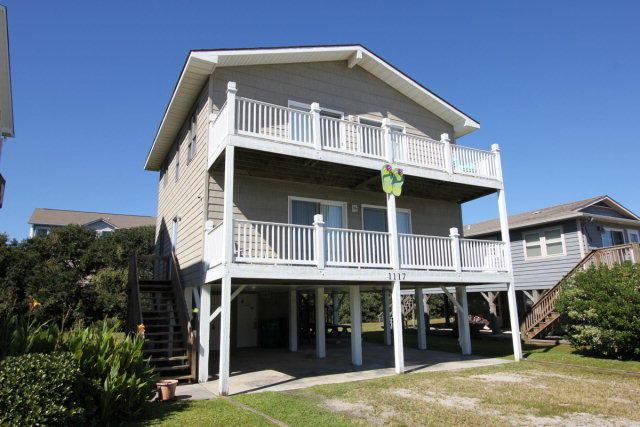 1117 S Topsail Drive, Surf City, NC 28445 (MLS #40205872) :: Century 21 Sweyer & Associates