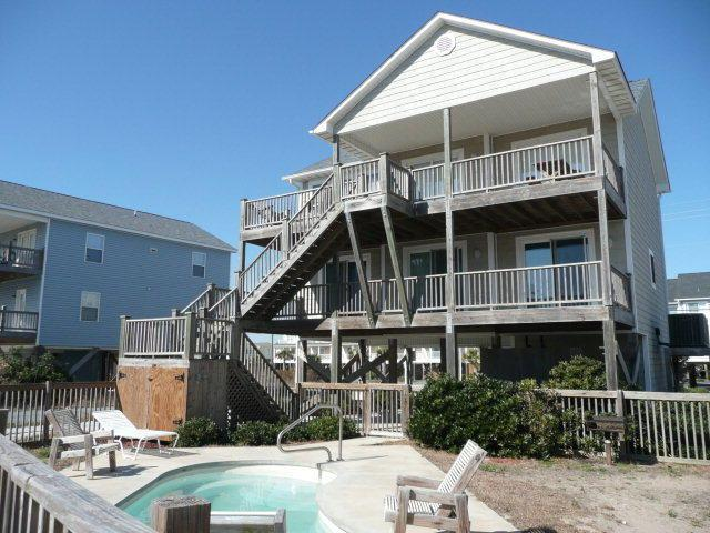818 N Topsail Drive, Surf City, NC 28445 (MLS #40206628) :: Century 21 Sweyer & Associates
