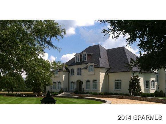 3200 Larkspur Lane, Greenville, NC 27834 (MLS #50114088) :: Century 21 Sweyer & Associates
