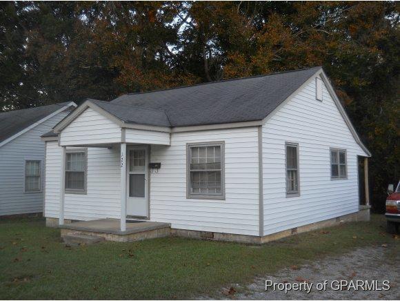 122 Harris Street, Williamston, NC 27892 (MLS #50117095) :: Century 21 Sweyer & Associates
