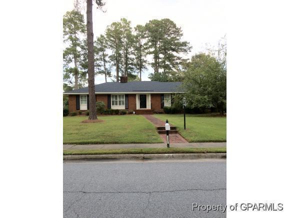 1205 Greenbriar Road, Kinston, NC 28501 (MLS #50122142) :: Century 21 Sweyer & Associates