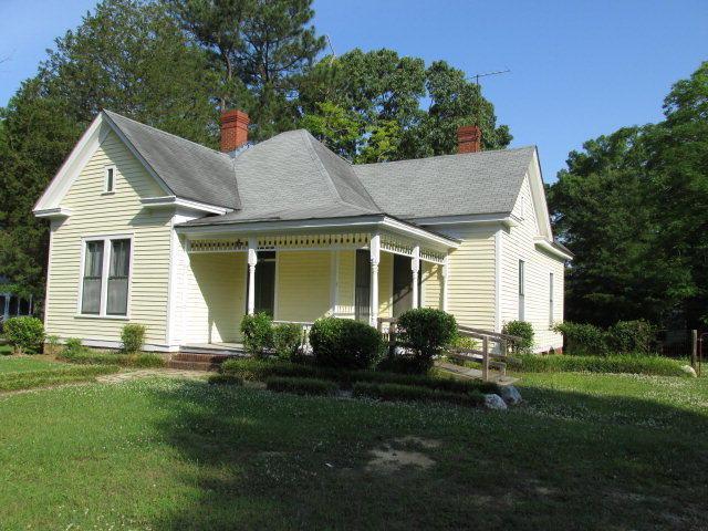 210 Daniel Street W, Wilson, NC 27893 (MLS #60049822) :: Century 21 Sweyer & Associates