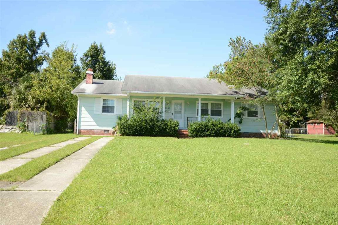 1305 Ormandy Avenue, Jacksonville, NC 28546 (MLS #80153878) :: Century 21 Sweyer & Associates