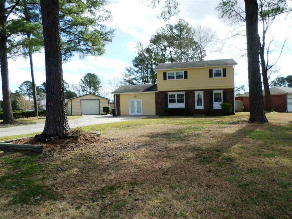 404 Oakwood Avenue, Jacksonville, NC 28546 (MLS #80175279) :: Century 21 Sweyer & Associates