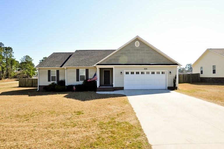 101 Blue Haven Drive, Hubert, NC 28539 (MLS #80175505) :: Century 21 Sweyer & Associates
