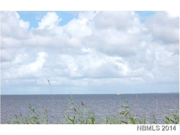 243 Wind Lake Road S, Oriental, NC 28571 (MLS #90093917) :: Century 21 Sweyer & Associates