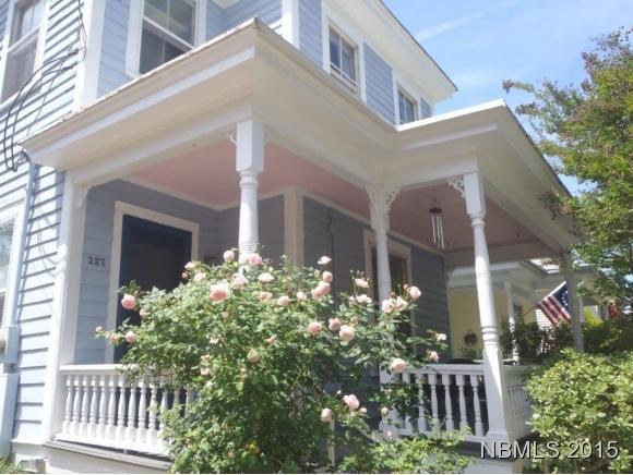 227 New Street, New Bern, NC 28560 (MLS #90099216) :: Century 21 Sweyer & Associates