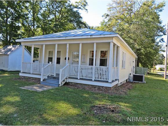 1715 Fayetteville Street, New Bern, NC 28560 (MLS #90101368) :: Century 21 Sweyer & Associates