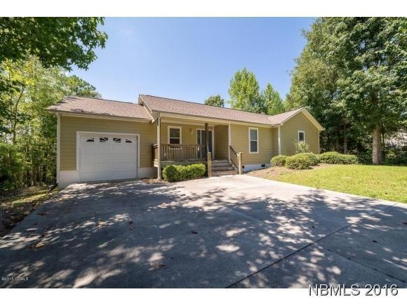 424 Woodland Drive, Swansboro, NC 28584 (MLS #90102235) :: Century 21 Sweyer & Associates