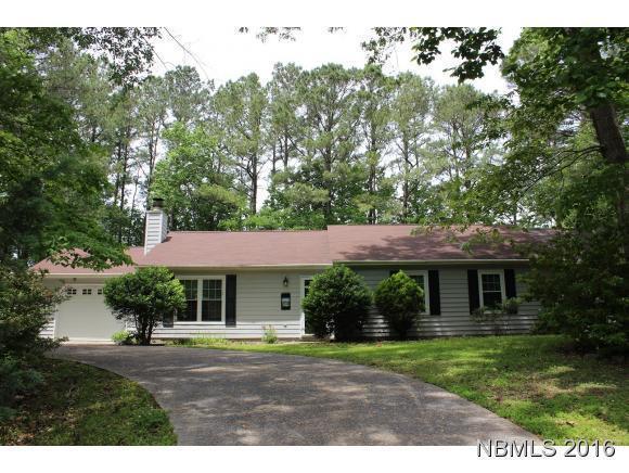805 Stately Pines Road, New Bern, NC 28560 (MLS #90103861) :: Century 21 Sweyer & Associates