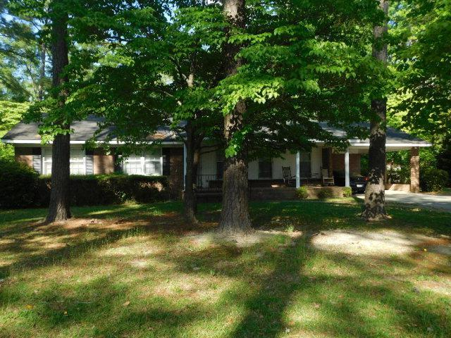 710 Frederick, Laurinburg, NC 28352 (MLS #96037030) :: The Bob Williams Team