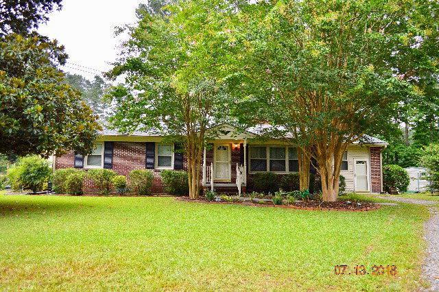 1102 Taylor Circle, Laurinburg, NC 28352 (MLS #96037091) :: David Cummings Real Estate Team