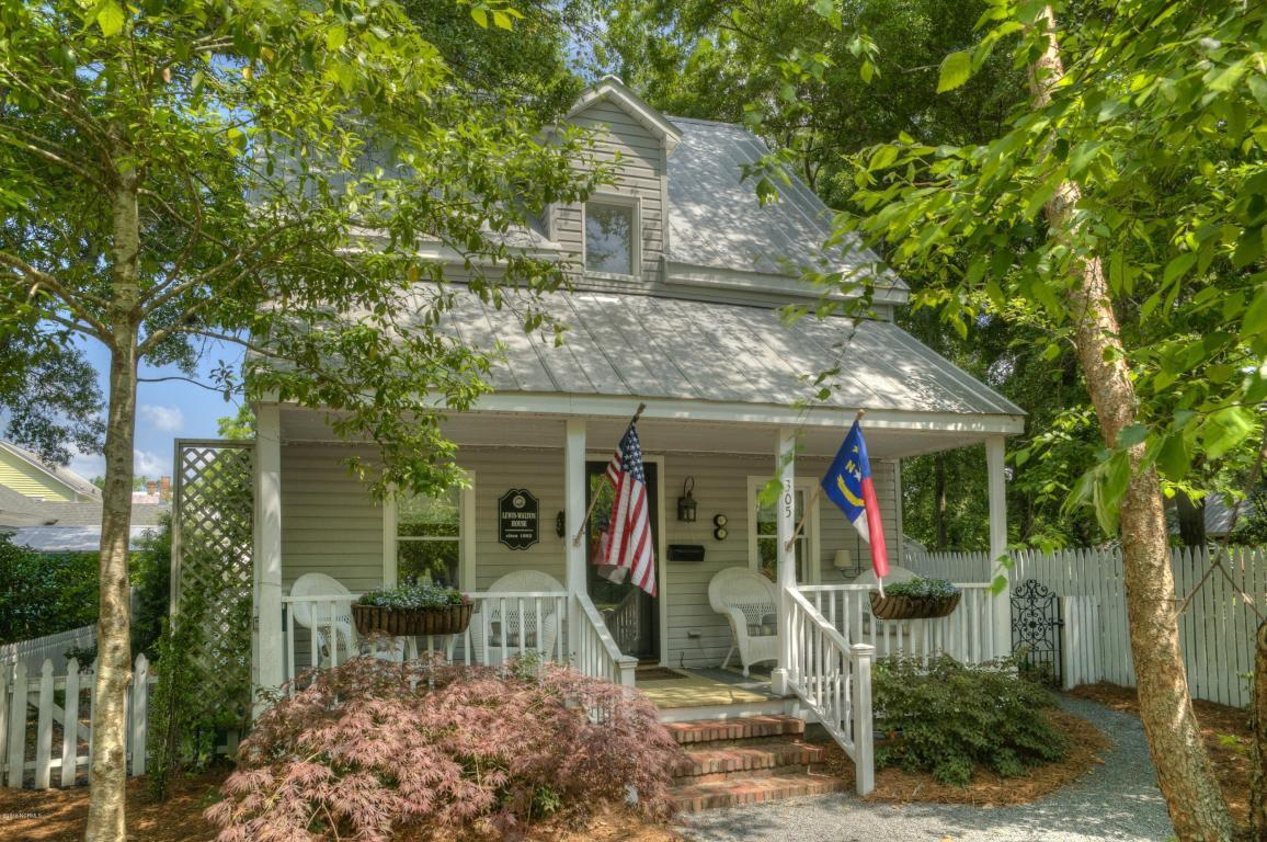 305 E West Street, Southport, NC 28461 (MLS #100012936) :: Century 21 Sweyer & Associates