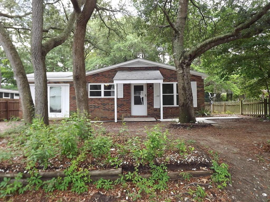 332 NE 39th Street, Oak Island, NC 28465 (MLS #100013494) :: Century 21 Sweyer & Associates
