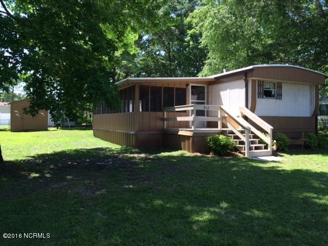 912 Cedar Avenue, Hampstead, NC 28443 (MLS #100013843) :: Century 21 Sweyer & Associates