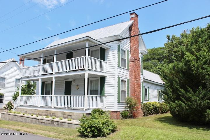 106 S Walnut Street, Swansboro, NC 28584 (MLS #100019669) :: Century 21 Sweyer & Associates