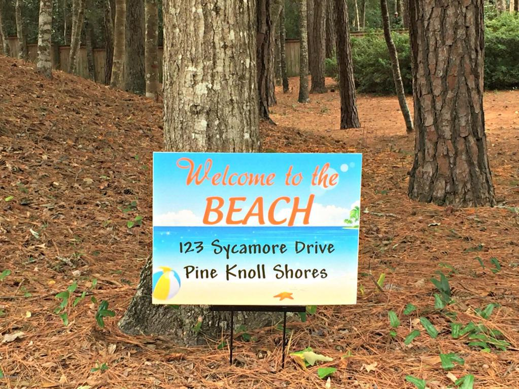 123 Sycamore Drive, Pine Knoll Shores, NC 28512 (MLS #100020622) :: Century 21 Sweyer & Associates