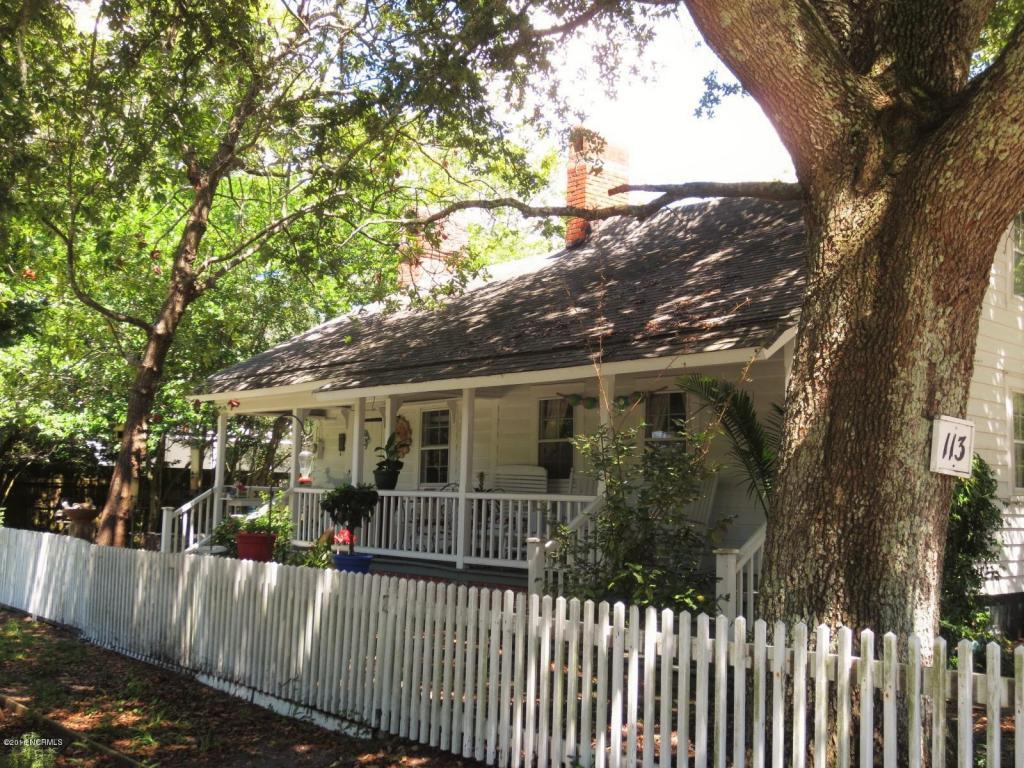 113 Live Oak Street, Beaufort, NC 28516 (MLS #100025870) :: Century 21 Sweyer & Associates