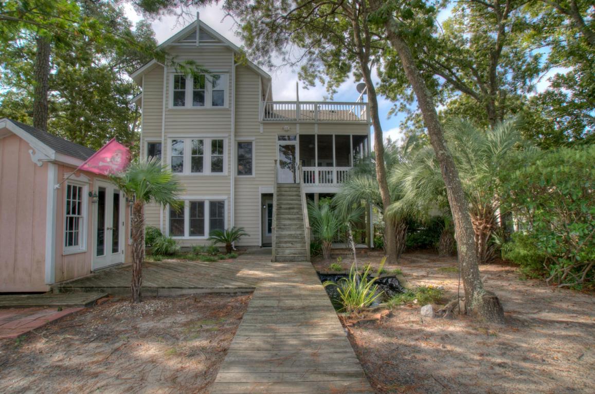 908 Elizabeth Drive, Oak Island, NC 28465 (MLS #100029381) :: Century 21 Sweyer & Associates