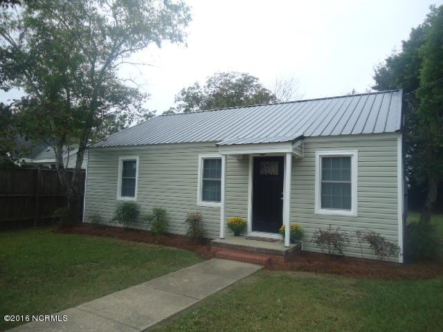 112 S Gillespie Street, Elizabethtown, NC 28337 (MLS #100030577) :: Century 21 Sweyer & Associates
