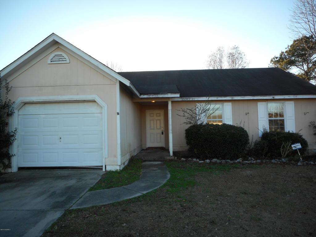 470 Hunting Green Drive, Jacksonville, NC 28546 (MLS #100030995) :: Century 21 Sweyer & Associates